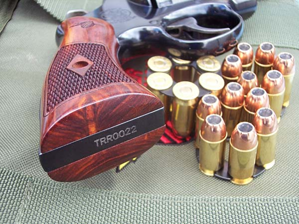 S&W 325 THUNDER RANCH 45 ACP 4 POUCES TRR%20serial%20no