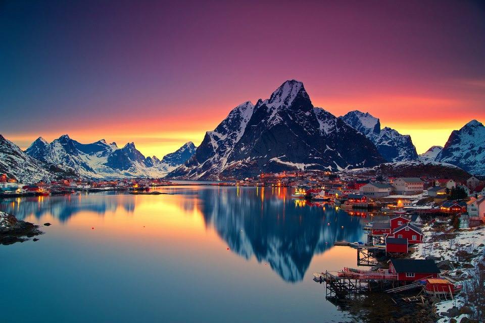 Роскошные пейзажи Норвегии 17midnight-sun-in-lofoten-norway