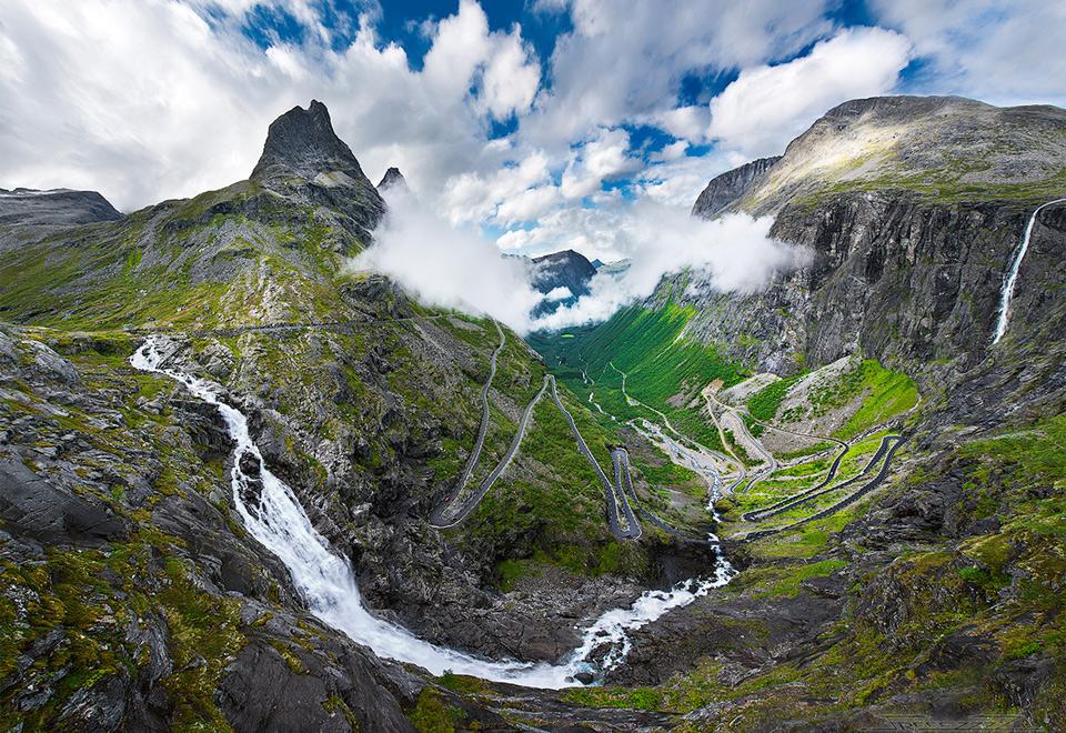 Роскошные пейзажи Норвегии 1trollstigen-norways-most-famous-mountain-road