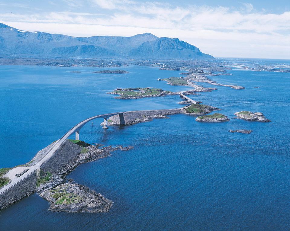 Роскошные пейзажи Норвегии - Страница 2 29highway-in-norway