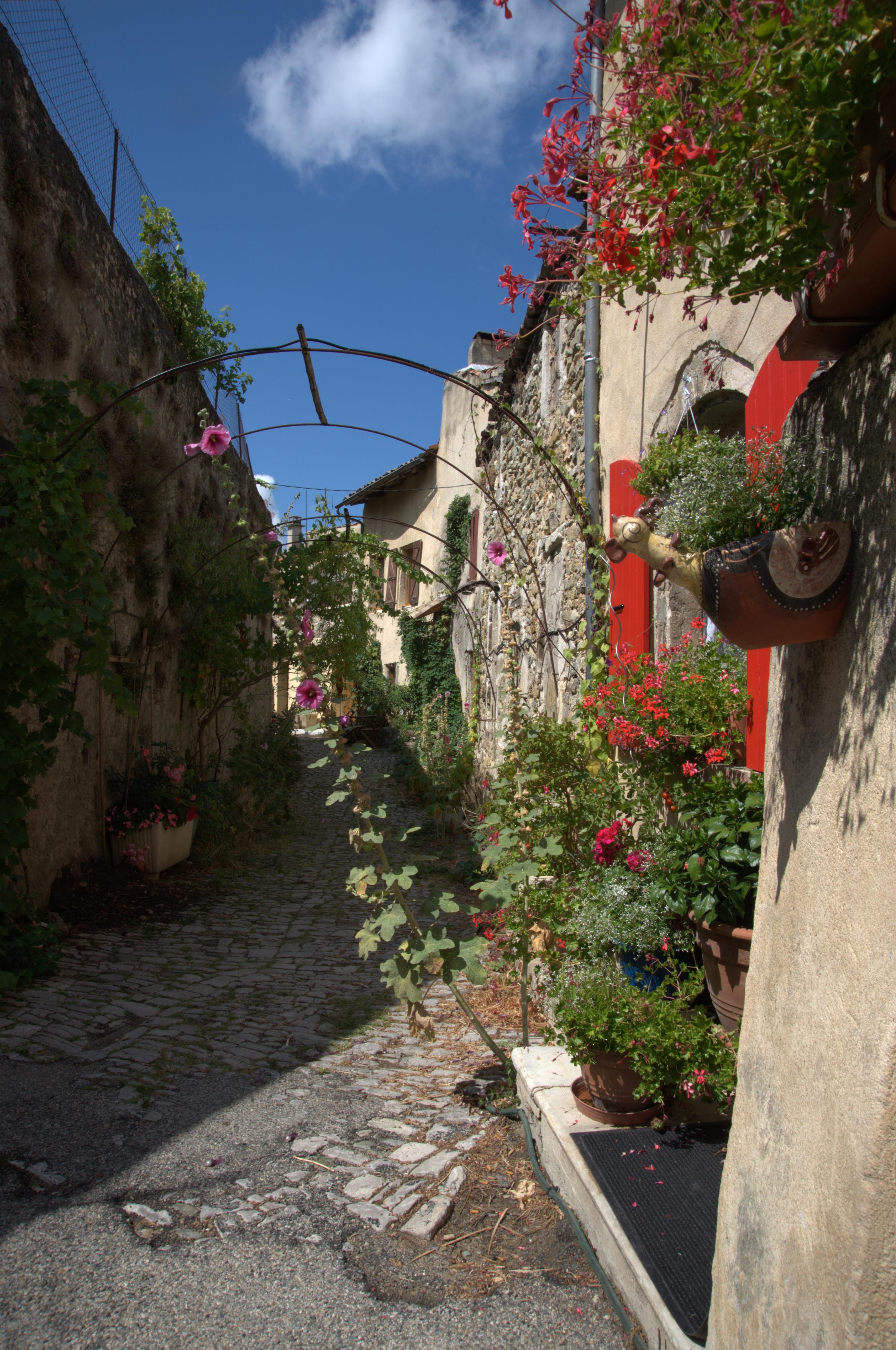Dieulefit Drôme France vieille ville CC BY-SA Triboulet = Piero d'Houin
