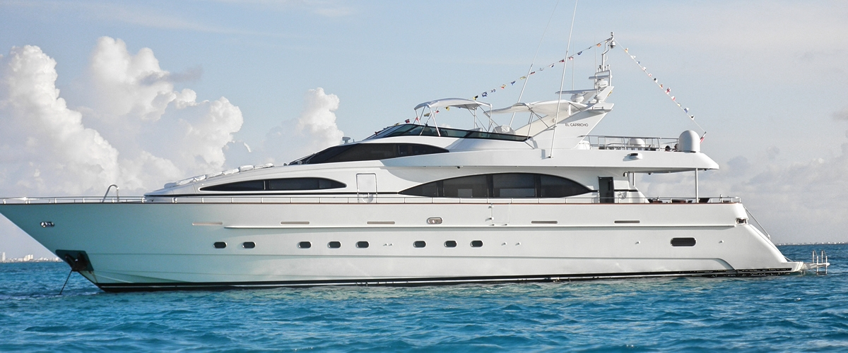 Welcome to Paradise. {Abi McDowell} [Flashback] - Página 2 Cancun-yacht-rental-4
