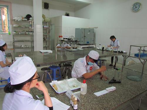 Hội thi Sinh viên giỏi - ứng xử hay Trường Cao đẳng Y tế Thái Bình lần thứ XV năm 2017 Img_0282-copy