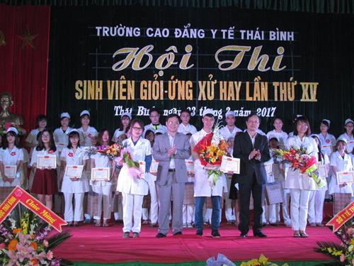 Hội thi Sinh viên giỏi - ứng xử hay Trường Cao đẳng Y tế Thái Bình lần thứ XV năm 2017 Img_0485-copy