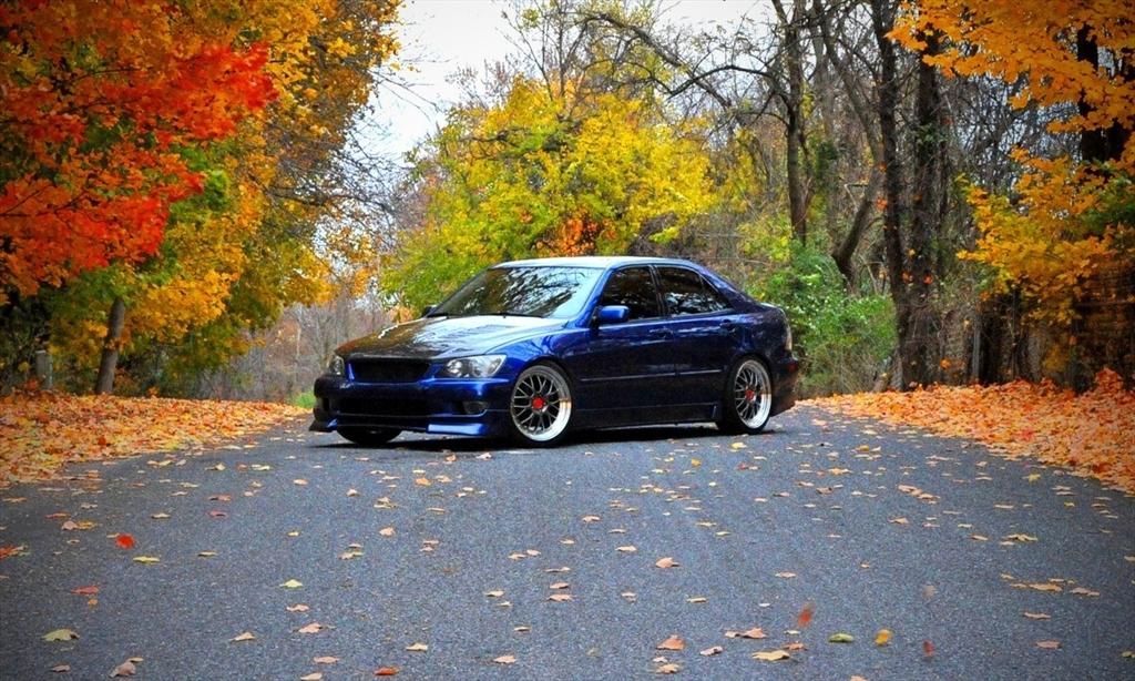 Lexus IS300 39126954165_large