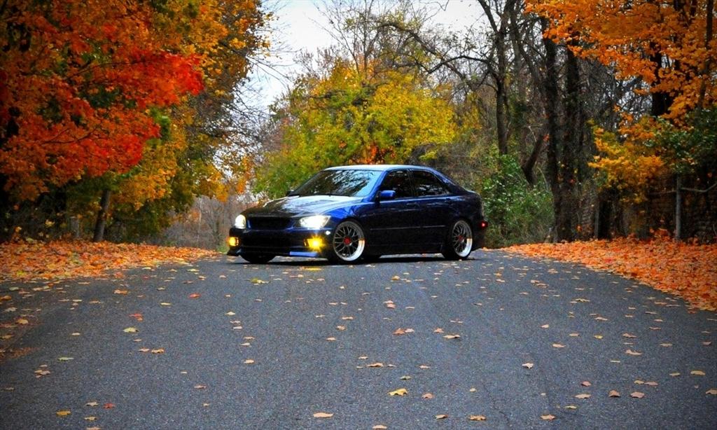 Lexus IS300 39126954168_large