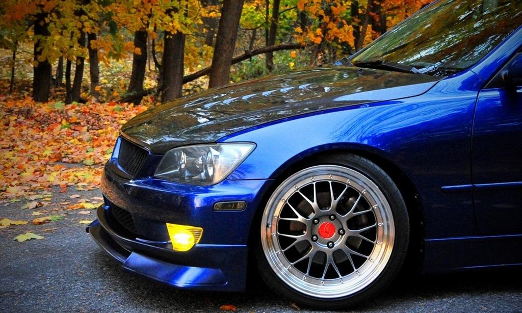 Lexus IS300 39126954171_large