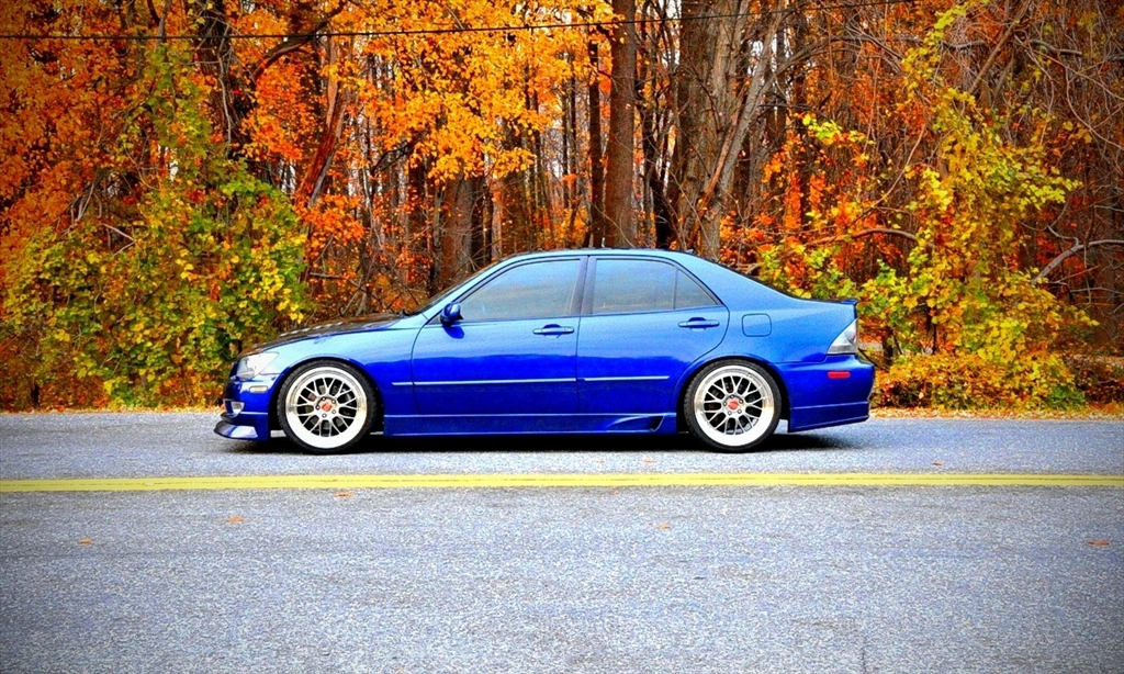 Lexus IS300 39126954174_large