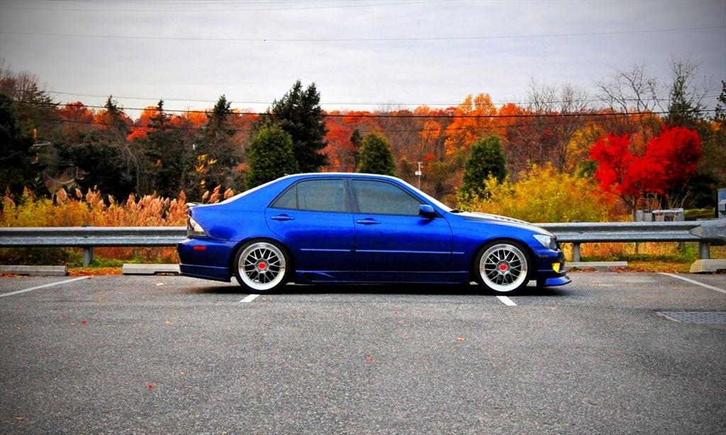 Lexus IS300 39126954178_large