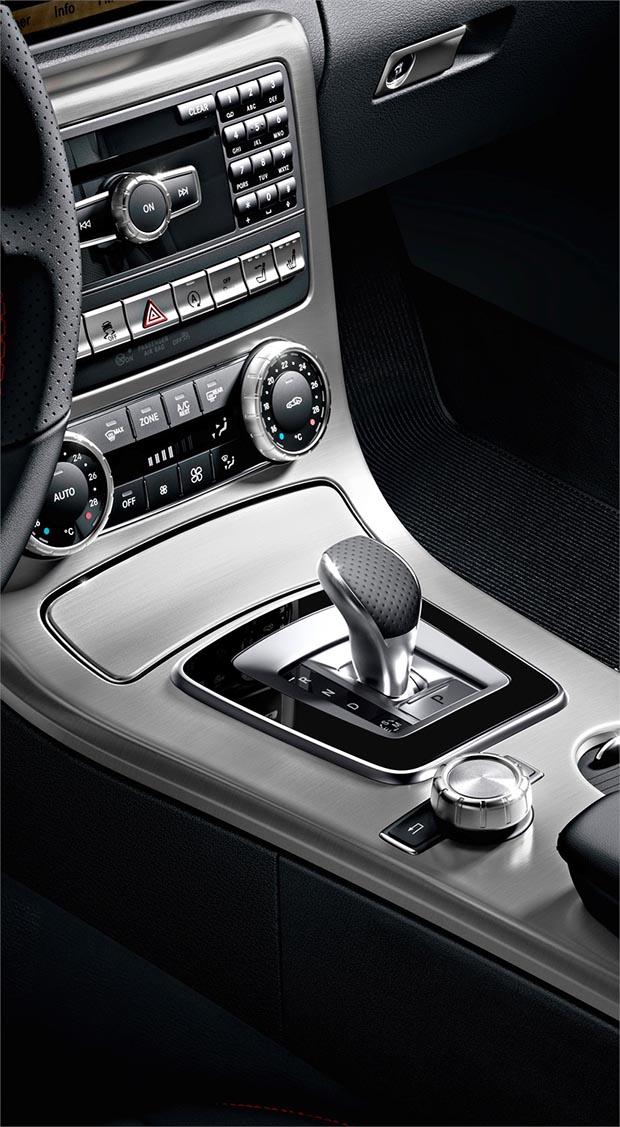Mercedes SLK 300 de 245 cv e nove marchas chega ao Brasil por R$ 254,9 mil Slk4
