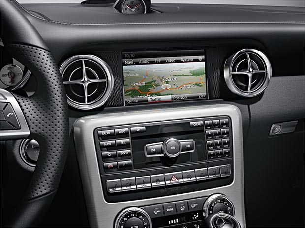 Mercedes SLK 300 de 245 cv e nove marchas chega ao Brasil por R$ 254,9 mil Slk5