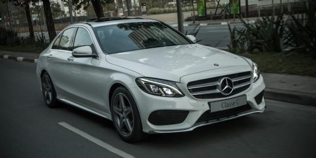 (W205): Mercedes-Benz convoca Classe C por problema na direção  A786836489dab4f04d53706ec376ba50_L