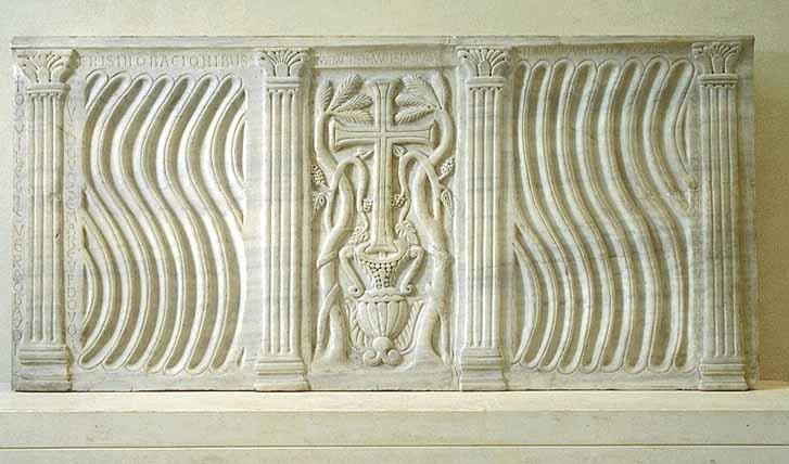 Pour un musée de la basilique et des tombeaux royaux - Page 2 1125_s0006165.004