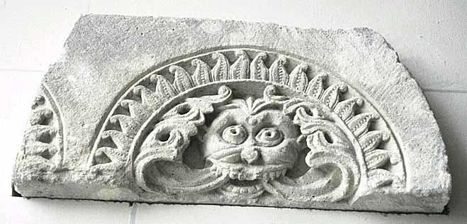 Pour un musée de la basilique et des tombeaux royaux - Page 2 1739_s0004064.001