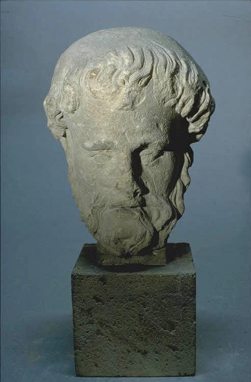 Pour un musée de la basilique et des tombeaux royaux - Page 2 29941_PP950280