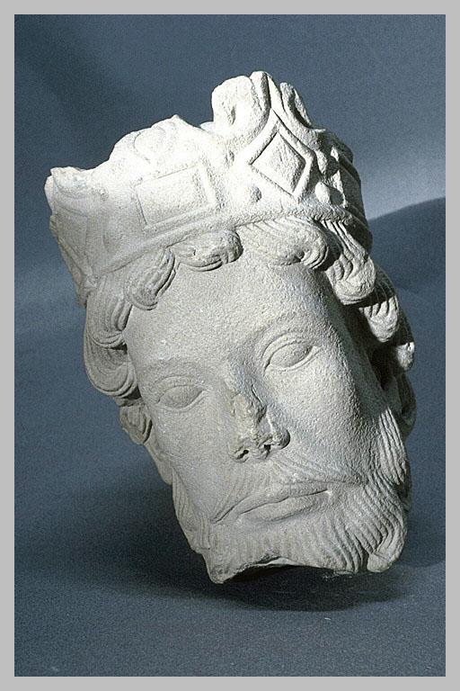 Pour un musée de la basilique et des tombeaux royaux - Page 2 34981_5898.001