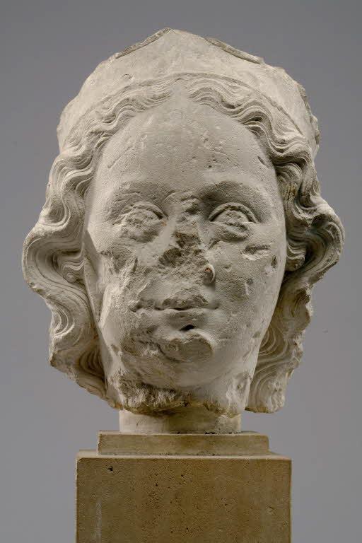 Pour un musée de la basilique et des tombeaux royaux - Page 2 69521_PP071885