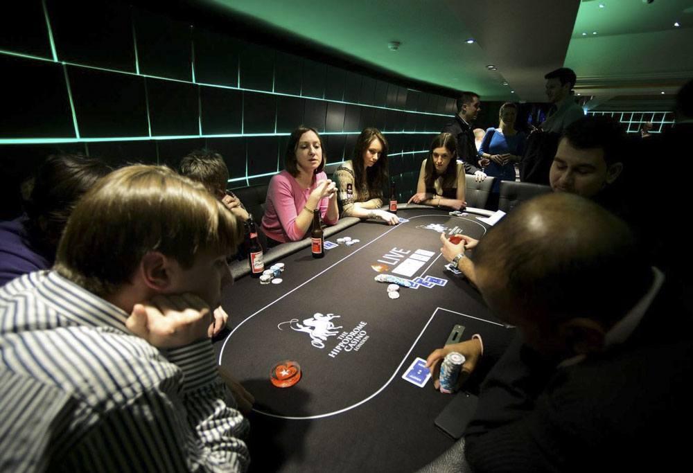 """Tin tức tổng hợp: Từ lề thói chơi bạc thành """"con nghiện"""" cờ bạc Ly-giai-nguyen-nhanh-tai-sao-baccarat-online-lai-co-so-luong-nguoi-choi-khung"""