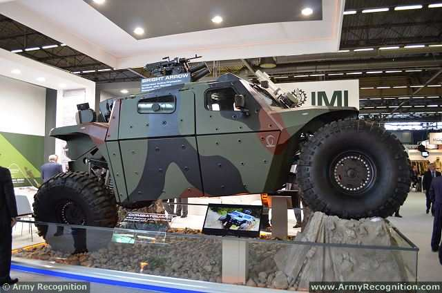 personnaliser son wraith - Page 10 CombatGuard_4x4_combat_armoured_vehicle_personnel_carrier_Israel_Israeli_army_military_defence_industries_IMI_001
