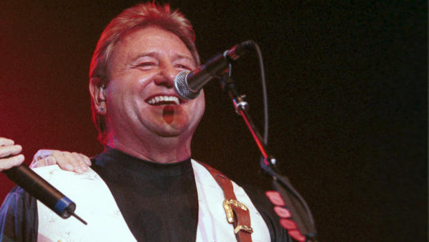 Greg Lake, King Crimson and ELP founder, is dead at 69 Gettyimages-1160365