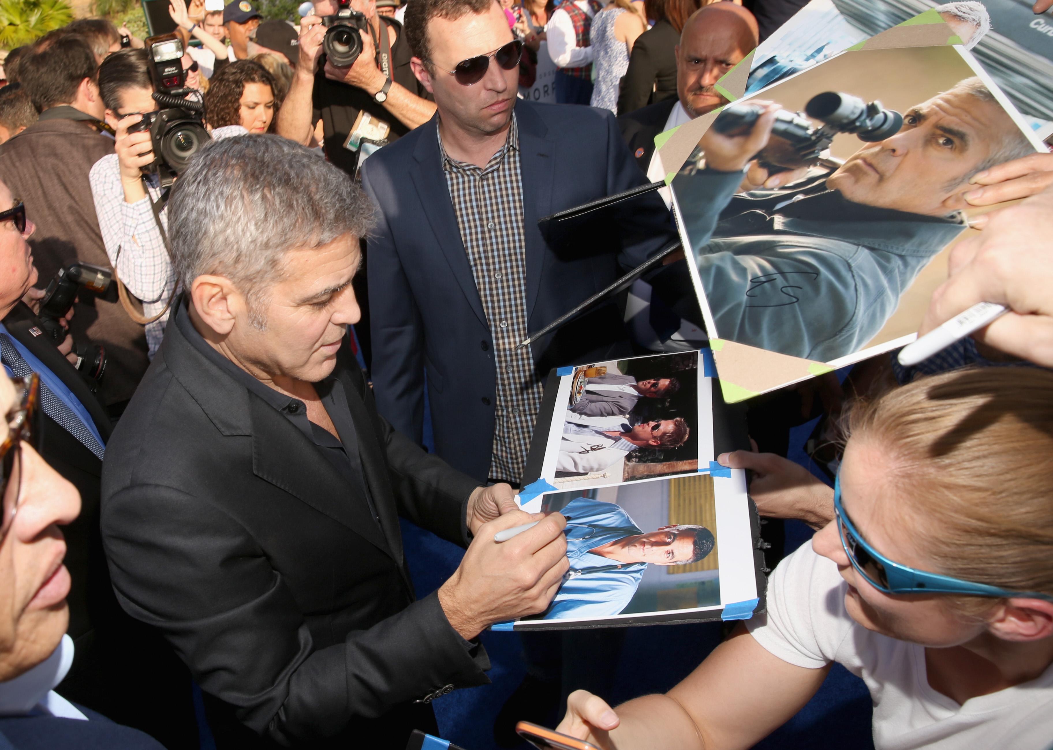 George Clooney George Clooney George Clooney! - Page 8 1121171