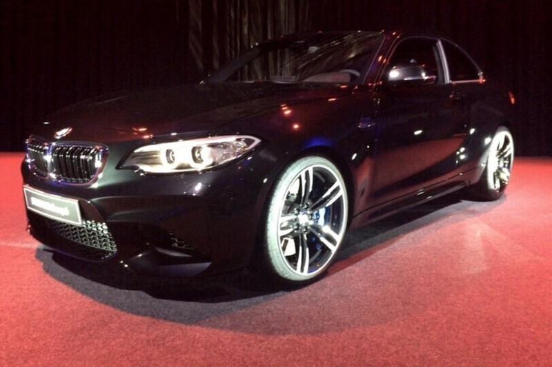 2016 - [BMW] M2 [F87] - Page 9 Bmw-m2-sapphire-black