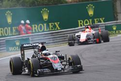 Alonso frustré par la F1? F1hungarian-gp2015fernandoalonsomclarenmp430locksupunderbraking