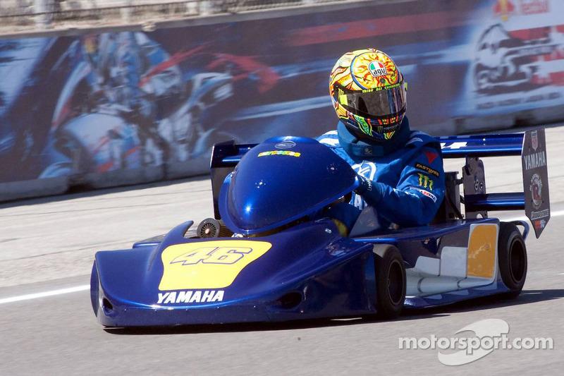 Lance Stroll en F1  Motogp-us-gp-2009-go-kart-promotional-event-valentino-rossi-fiat-yamaha-team