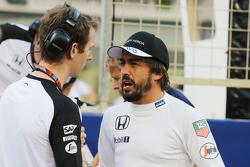 Häkkinen s'attend à plusieurs années sans victoire pour Alonso    F1-bahrain-gp-2015-fernando-alonso-mclaren-on-the-grid