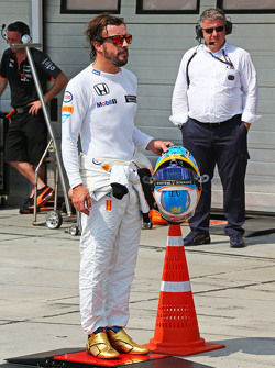 Alonso frustré par la F1? F1hungarian-gp2015fernandoalonsomclaren