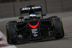 Bientôt trois moteurs par pilote pour une saison?    F1-abu-dhabi-gp-2015-fernando-alonso-mclaren-mp4-30