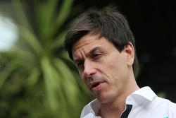 Que changerait le retour des ravitaillements? F1-australian-gp-2015-toto-wolff-mercedes-amg-f1-shareholder-and-executive-director