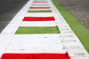 | F1 16 T.XV | PRUEBA DE RENDIMIENTO COMO ES Y MONOPLAZAS F1-italian-gp-2015-track-atmosphere