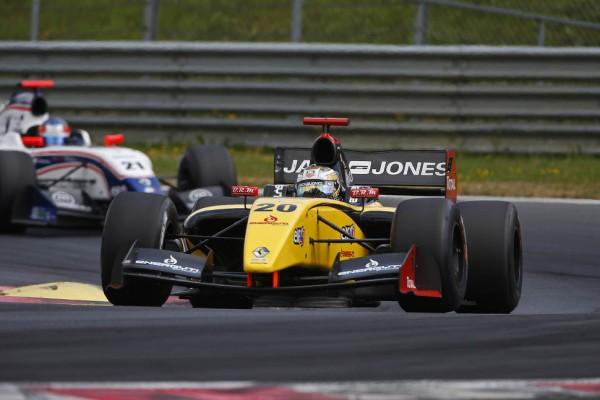 [F1] Kevin Magnussen S1_20923