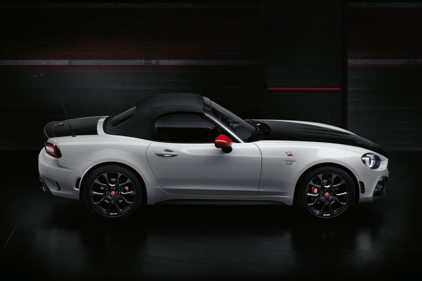 2016 - [Abarth] 124 Spider - Page 2 00