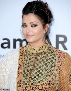 film cinéma - Festival de Cannes 2012 Look_du_jour_aishwarya_rai_large