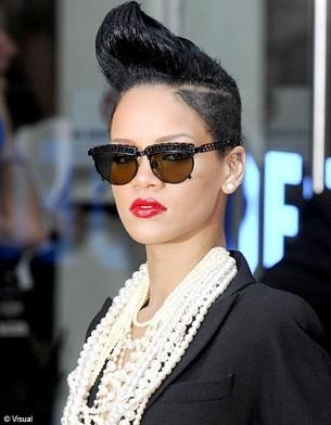 Who's who ? Rihanna_galerie_principal