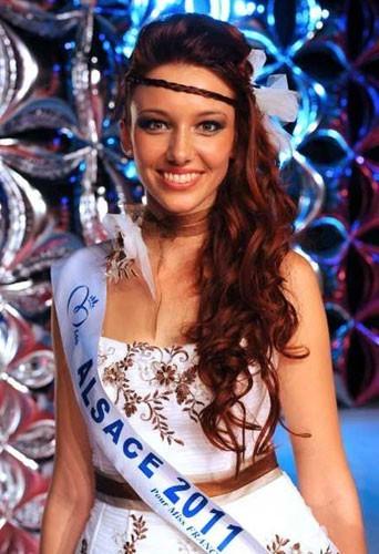 Miss France 2012 - Page 2 Miss-Alsace-Delphine-Wespiser_portrait_w674