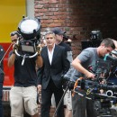 George Clooney shooting a Mercedes-Benz commercial (pics) 2011 Une-grosse-equipe-pour-le-tournage_portrait_to_carre_130x130