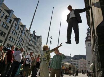 Slike koje izgledaju fotoshopirane- A NISU! Levitation