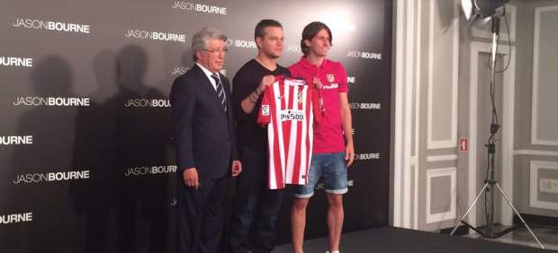 ¿Cuánto mide Filipe Luis? - Real height 314951-620-282