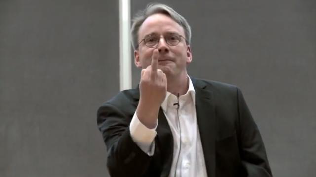 Steve Jobs, Bill Gates i ostali velikani  računalnog svijeta Linus-eff-you-640x363