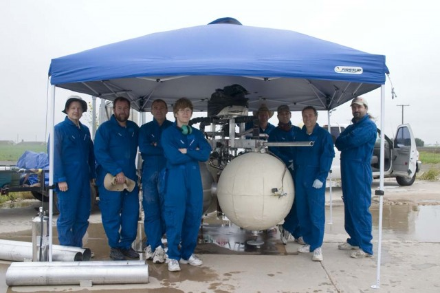 Armadillo Aerospace - Page 4 GroupShot-640x426