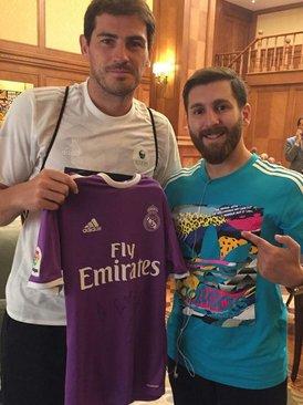 ¿Cuánto mide Reza Parastesh (doble de Messi)? - Real height Resized_712027_363