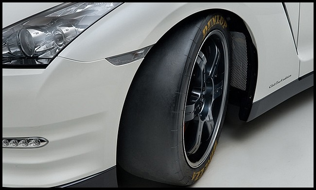 2007 - [Nissan] GT-R - Page 16 GT-R-Track-Pack-Edition-2013.5