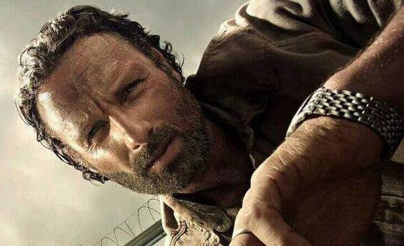 Cosa ne pensate dell'ultimo episodio del 2013 di The Walking Dead 4? The-walking-dead-4-banner1