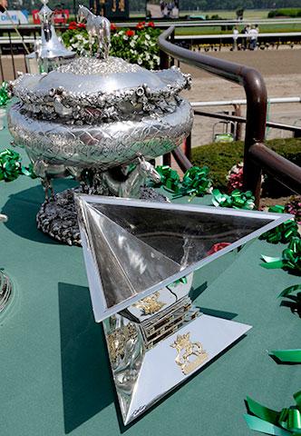 Triple Couronne 2014 - Page 3 2-triple-crown-trophy