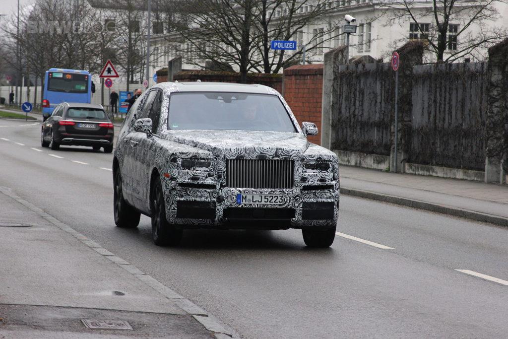 2017 - [Rolls-Royce] SUV Cullinan - Page 8 Rolls-Royce-SUV-spied-01-1024x683