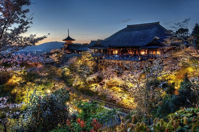 صور من اليابان الرائعة Asia-Japan-Kyoto-thumb
