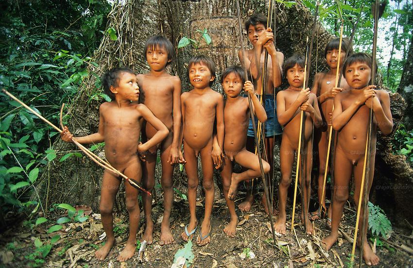 Brazil - Page 9 Yanomami-brazil003